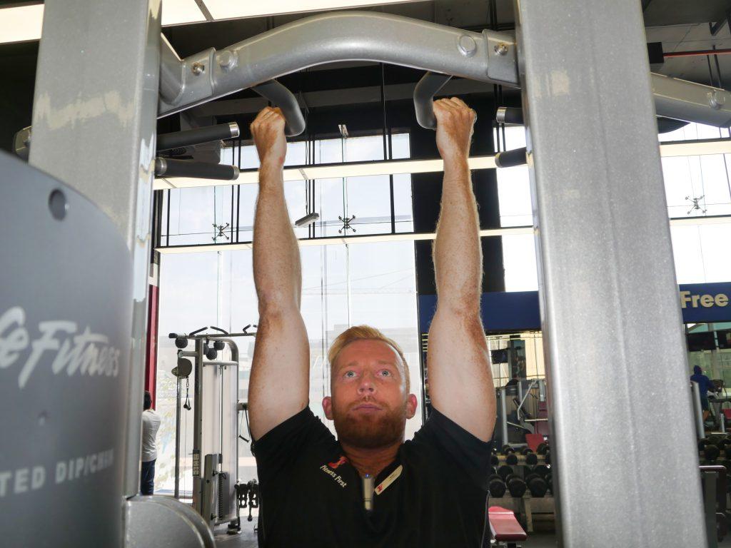 Underhand grip pull ups1