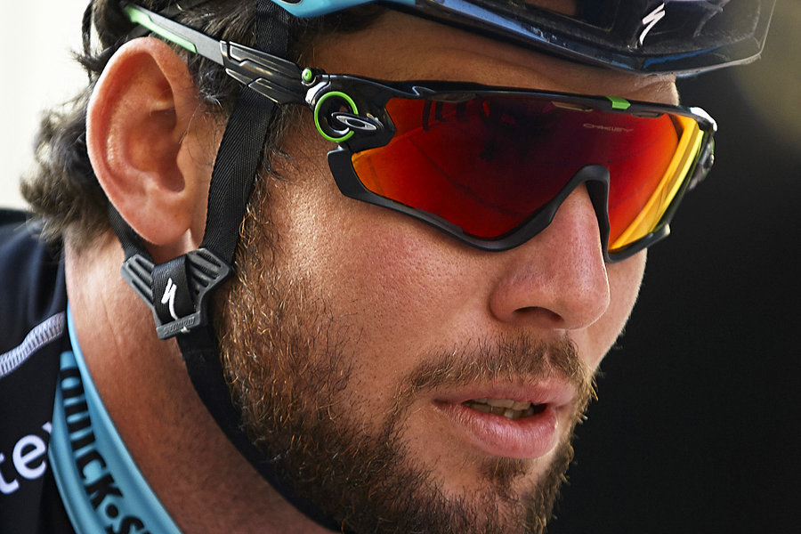 0960bf21e50 Win a pair of Oakley Jawbreaker sunglasses every day of the Dubai Tour at SkyDive  Dubai